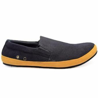 Sepatu Casual Slip On Kulit Pria Black master Clarks Pita   Formal    Sneakers   Slop edb7bd688b