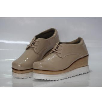 sepatu sneaker stella coklat polos