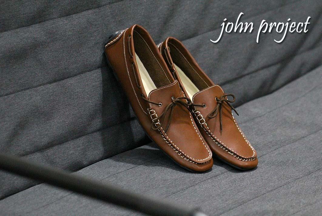 sepatu terlaris  terkeren yg akan memanjakan kakimu / sepatu casual / sepatu pria
