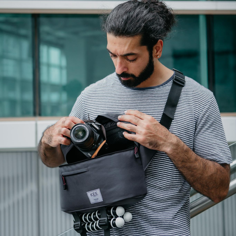kee tas kamera mirrorless dslr – beetle edition – dark grey + gratis raincover