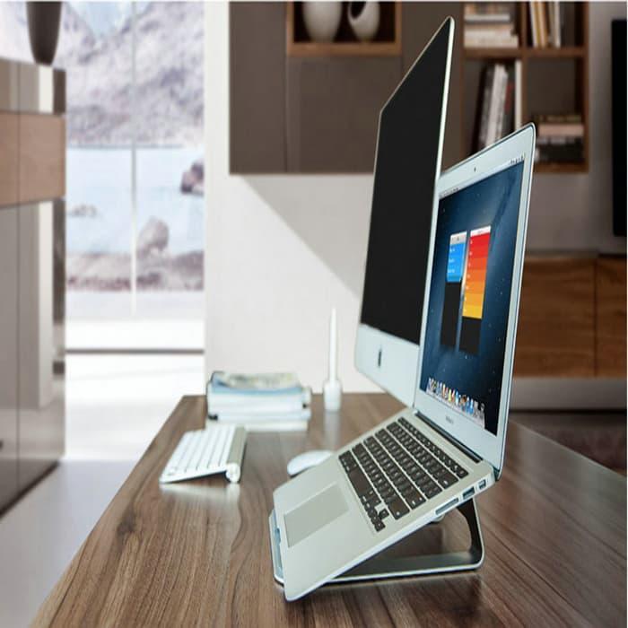 https://www.lazada.co.id/products/terlaris-dan-termurah-apple-metal-deluxe-stand-holder-for-macbook-i786012786-s1104318280.html