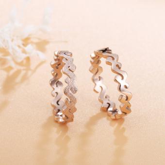 ... Gaya Barat modis Cincin perempuan baja titanium Emas Mawar sendi cincin berlapis 18K emas dekorasi kreatif