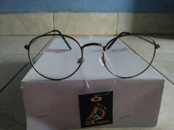 Fitur Kacamata Fashion Bulat Oval Pink Gagang Besi Trendy Ye903 Dan ... 67327500b0