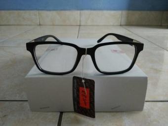 Cek Harga Baru Kacamata Korea Murah Fashion Kotak Hitam Trendy Dan ... dfbf531a3e