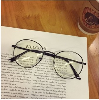 Gaya Korea Logam Bundar bingkai kacamata wanita rabun dekat pasang Model  pria Sangat Ringan Retro Sastra 04c905e84f