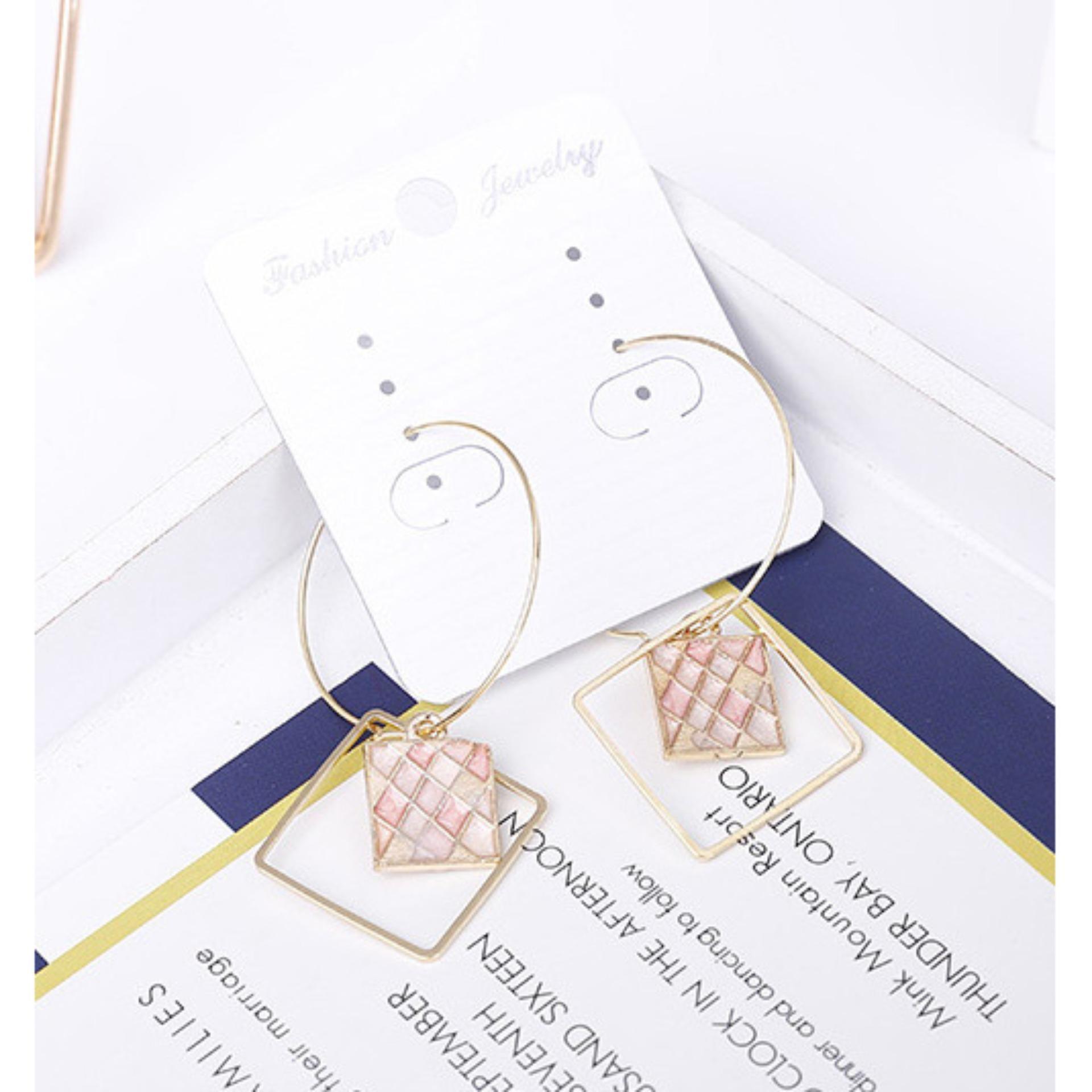 Shock Price LRC Anting Hoop Elegant Square Shape Decorated Earrings penjualan - Hanya Rp17.540