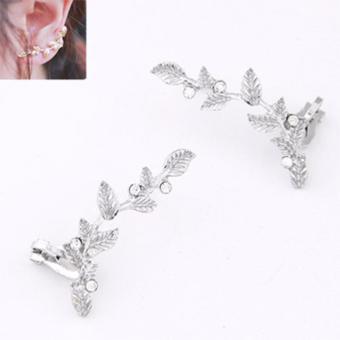 LRC Anting Wanita Silver Color Diamond Decorated Leaf Shape Design Alloy Stud Earrings