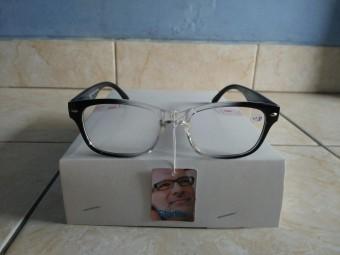 Fitur Kacamata Plus Kacamata Baca Persegi Biru Fashion Trendy Gaya ... 07eba0a454