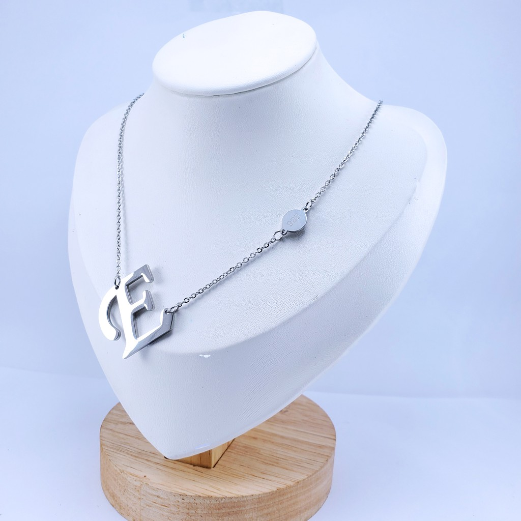 kalung titanium stainless steel anti luntur hitam karatan huruf latin inisial a-z silver 24k
