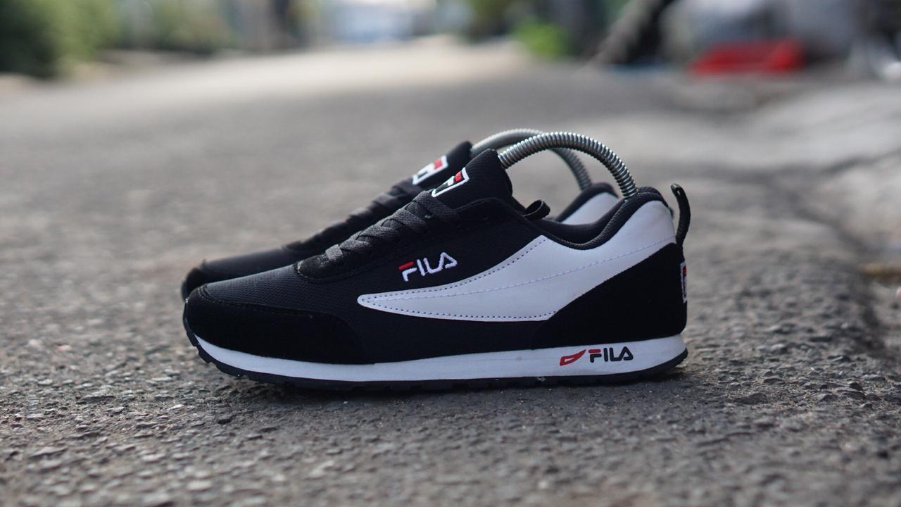 Sepatu sneakers casual running fila disruptor II 2 cowok   sepatu kets    sepatu murah   59a3a215a0