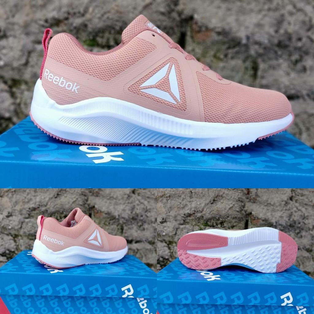 sepatu wanita olahraga rebbook 150   berkualitas