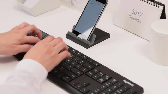 https://www.lazada.co.id/products/logitech-k375s-multi-device-bluetooth-wireless-keyboard-with-stand-i441869963-s522838376.html