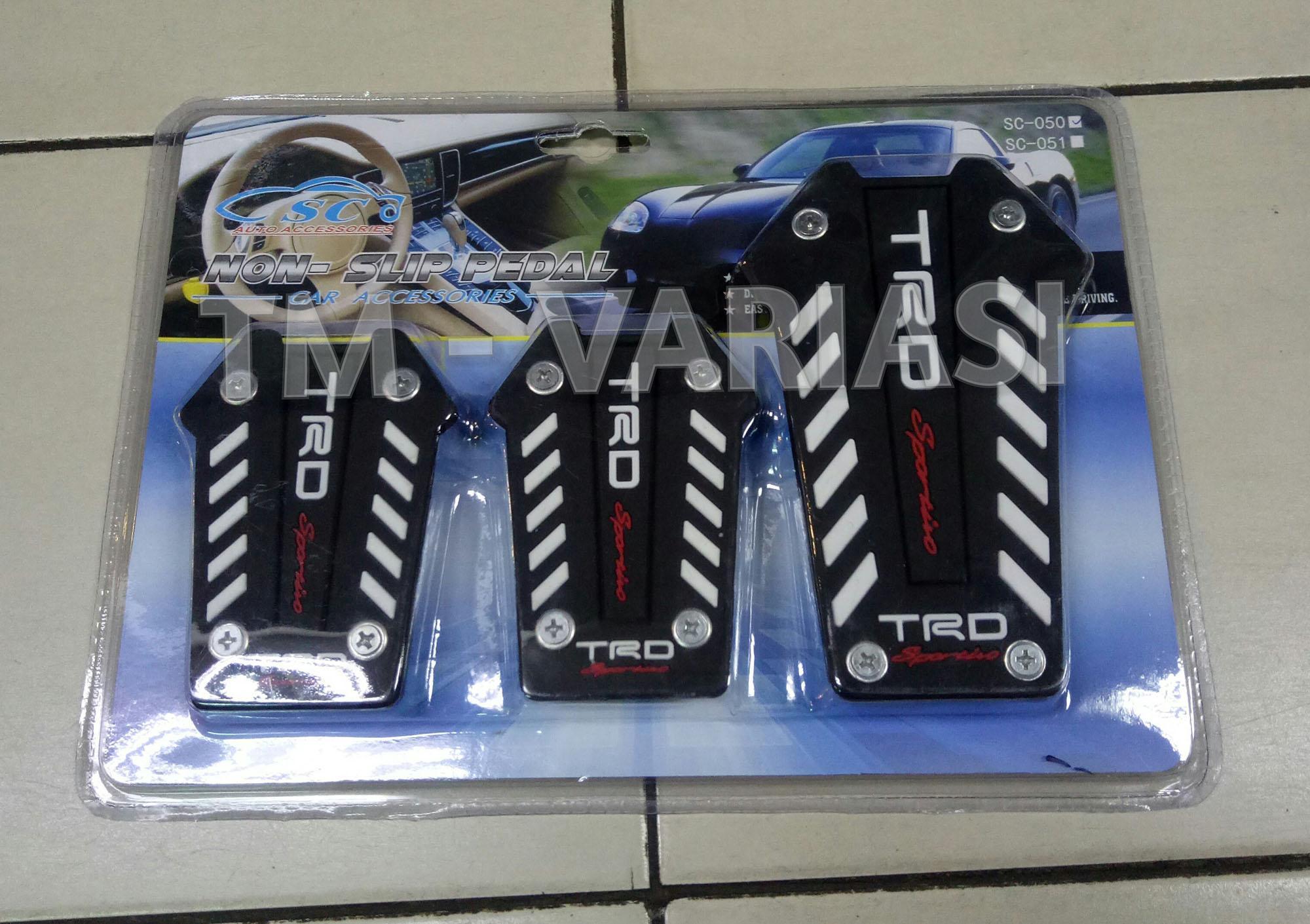Pelapis Pedal Gas Karet Mobil Manual TRD Sportivo Garis Putih