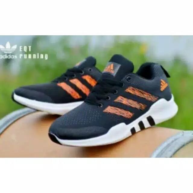 Sepatu Running Piero P20064 Jogger Hitam Putih - Daftar Harga ... 9524b5bcdd