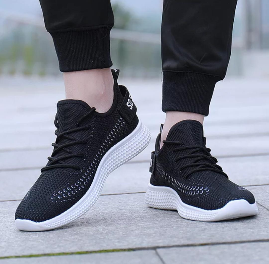 Sepatu Sneakers Import Korean Ringan Sport Casual Mens Fashion Sneakers Soft Casual Sports Shoes