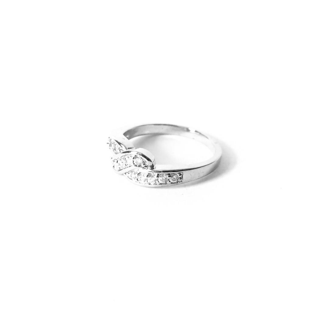 Cincin Xuping Perhiasan Wanita Motif Simple Permata S Silang - Xuping Silver 52 - 2