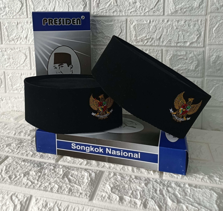 peci songkok kopiah nasional beludru hitam polos motif lambang garuda bordir-kopiah garuda pancasila hitam beludru tinggi 9 cm-bisa bayar tempat