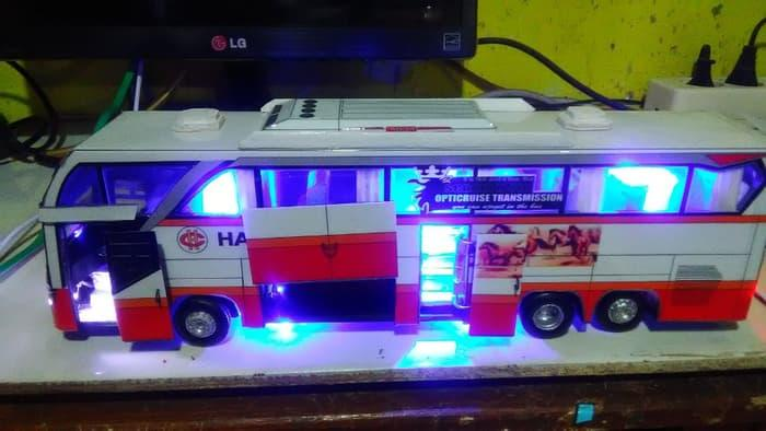 Review Limited Edition Promo Miniatur Bis Harapan Jaya