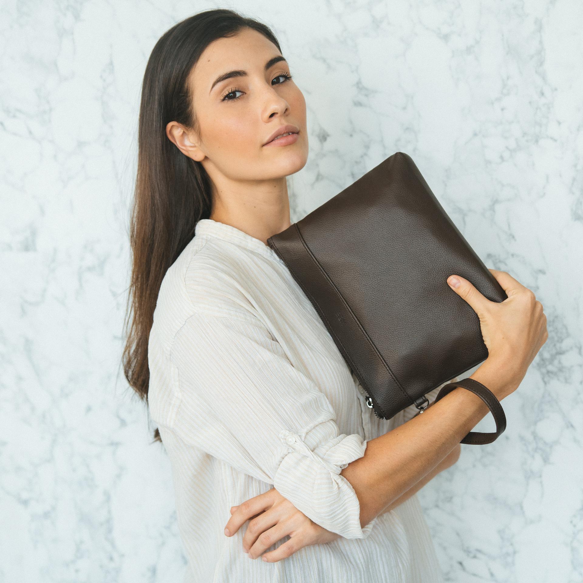 kee tas tangan clutch bag pria (dark brown) – kee