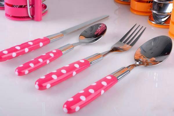 Prime Sendok Set Motif Polkadot juga dilengkapi rak stainless untuk menempatkan masing2 sendok dan garpu, ruang makan jadi lebih rapih dan indah dengan ...