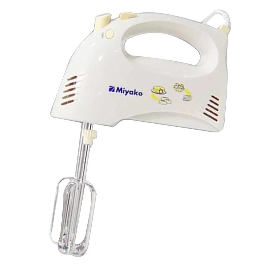 Mixer Tangan Miyako HM-620 memiliki 5 pilihan kecepatan. Anda dapat dengan mudah menggeser