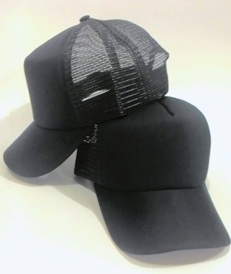 Hasil gambar untuk topi hitam