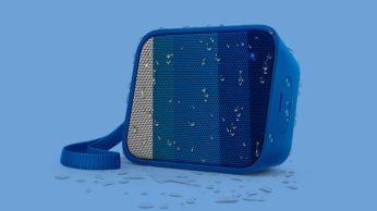 Desain tahan cipratan ideal untuk penggunaan di luar ruangan (IPX4)