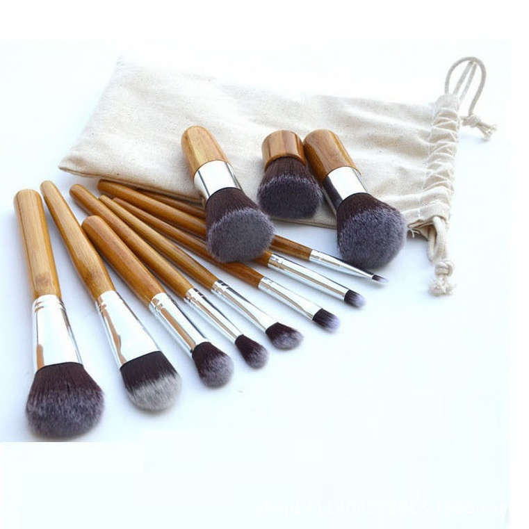 1 * Makeup Brush Bag