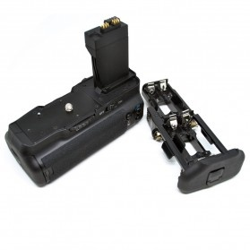 Battery Grip for Canon EOS 550D/600D/650D/700D - Black - 1