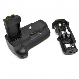 Battery Grip for Canon EOS 550D/600D/650D/700D - Black - 4